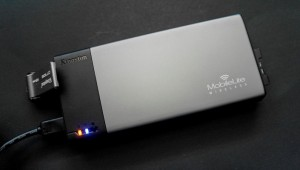 kingston mobilelite wireless wifi streaming drive feat