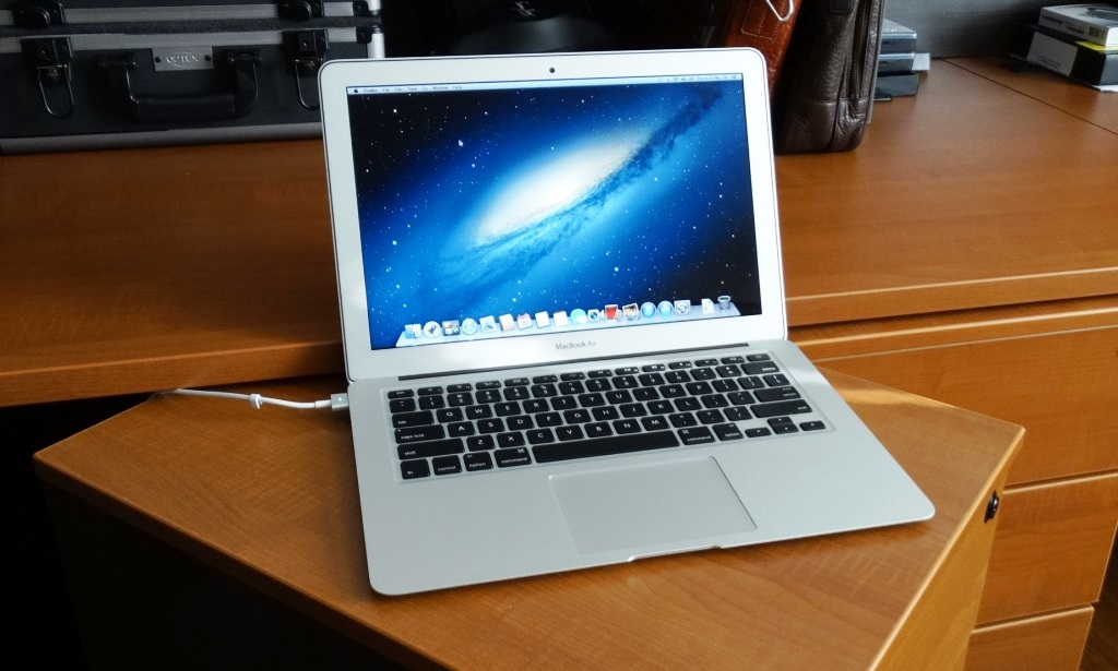 2013 Macbook Air Open